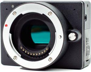 Fig.3 - Minifilmadora genérica con acople micro 4/3, lista para el microscopio