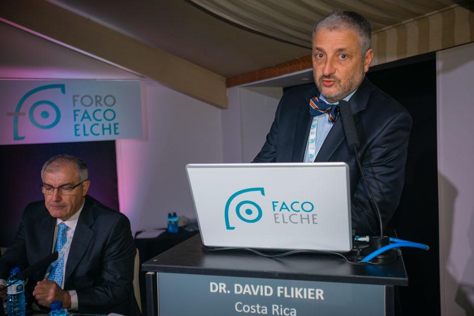 Analizando Panacea con su diseñador, el Dr. David Flikier